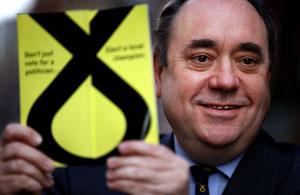 Independentzia erreferendumari ateak ireki dizkiote Eskozian
