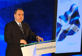 Eskozia euroan sar liteke independentzia lortzen badu