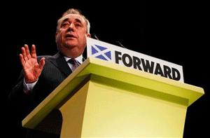Cameronek Eskoziaren independentzian eragin nahi du erreferendumaren epeak azkartuz