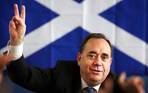 Eskoziak erreferenduma 2014an egin nahi du, Erresuma Batuaren presioa baztertuta