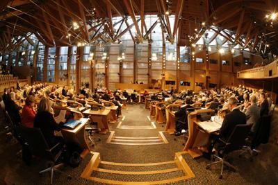 Eskoziako parlamentuak independentzia babestu du formalki