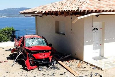 Korsikako FLNCk bigarren etxebizitzen aurkako 26 atentatu bere gain hartu ditu
