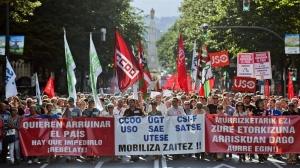 Murrizketen aurka milaka lagun manifestatu da Hego Euskal Herrian