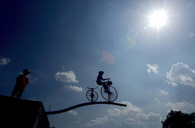 Egia al da ozonoa injektatuta dopatzen direla kirolari batzuk?