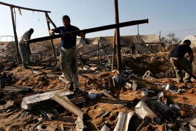 Israelgo armadak Gazako hainbat lekutan egin du eraso