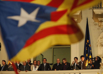 Katalunian CiU irabazle asko jaitsi arren, eta ERC bigarren indarra