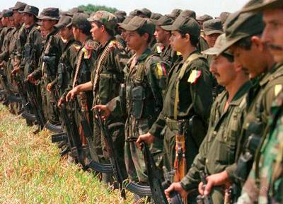 Kolonbiako armadak FARCeko hainbat kide hil arren, elkarrizketek aurrera darraite