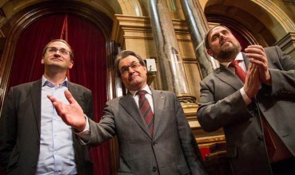 Kataluniako subiranotasunaren eta erabakitze eskubidearen aldeko adierazpena euskaraz