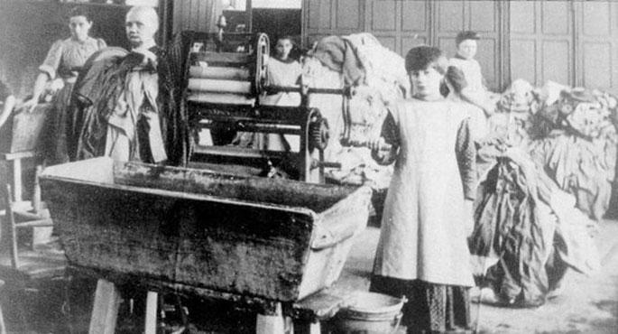 Irlandak barkamena eskatu die Magdalene garbitegietako emakume esklaboei