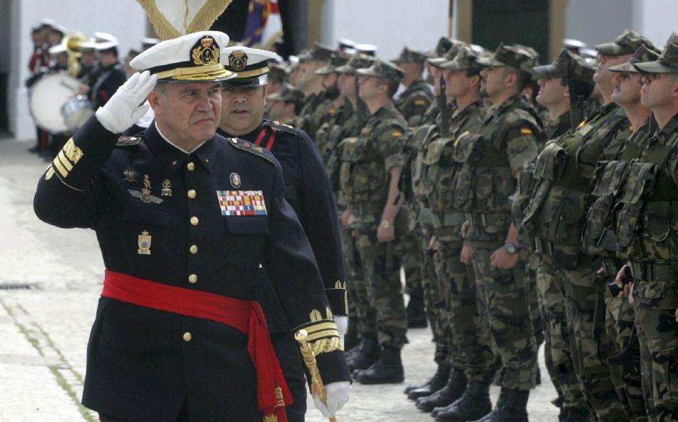 Espainiako armadako jeneral batek Katalunia erasotzeko aukera iradoki du