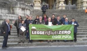 Italia osoan �Zero Zabor� legea ezartzeko 100.000 sinaduraren bila ari dira