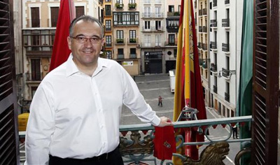 Iruñeko alkate Enrique Mayaren txanda