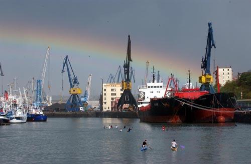 Pasaiako kanpo portuaren kontrako txostena aurkeztu du Pirinio Atlantikoetako Departamenduak