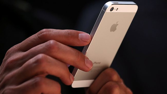 Apple konpainiaren etekinak nabarmen jaitsi dira