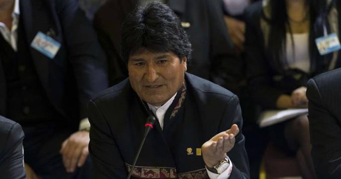 AEBek Boliviako goi karguak espiatzen dituztela salatu du Evo Moralesek