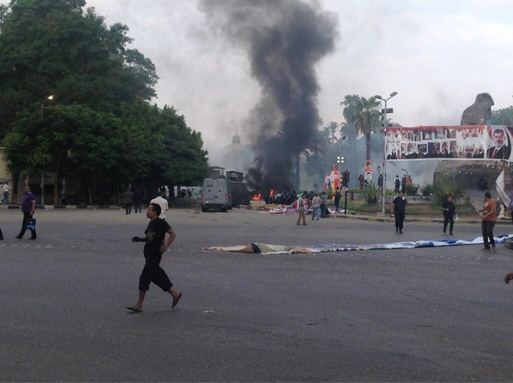 Egiptoko segurtasun indarrek Morsiren aldeko manifestarien kanpalekuak bortizki desegin dituzte