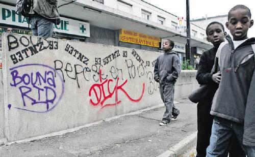 Pobrezia-tasa gorantz doan arren, aberatsak inoiz baino aberatsago Frantzian