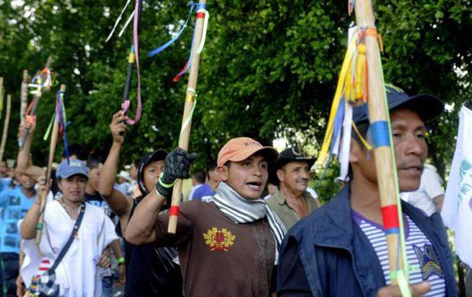 5 hildako utzi ditu jada Kolonbiako nekazarien grebak