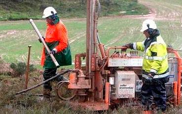 Nafarroako Parlamentuak frackinga debekatzea onartu du