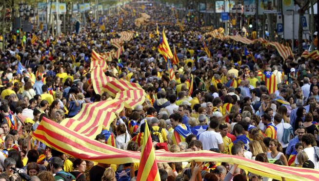 Letoniako gobernua Katalunia independentea estatu gisa onartzeko prest