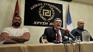 Abeslari antifaxistaren hilketaren ostean, Urrezko Egunsentia legez kanpo uztea aztertzen ari da Greziako Gobernua