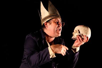 'Hamlet', estreinakoz euskaraz, Ander Lipusek antzeztua