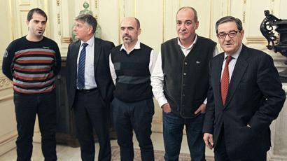 Kutxabank prest legoke Fagor Etxetresnak laguntzeko