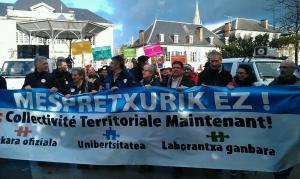 3.500 lagunek egin dute bat Lurralde Elkargoaren alde Maulen