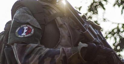 Sinbolo naziak daramatzaten soldadu frantziarren argazkiak plazaratu dituzte