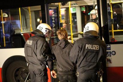 Hanburgo: salbuespen egoeran eta poliziak hartuta
