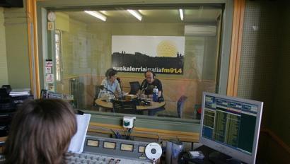 Euskalerria Irratia lizentziarik gabe utzi zuen prozesua baliogabetu du Gorenak