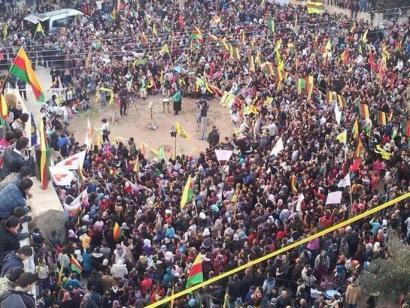 Siriako kurduek autonomia deklaratu dute alde bakarreko erabakiz