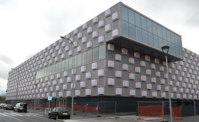 Navarra Arena, 65 miloi euroko gastua<br>eta oraindik irekiera datarik gabe