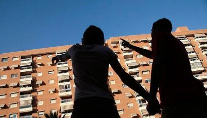 Hego Euskal Herriko 33.000 etxebizitzaren balioa, hipoteken azpitik