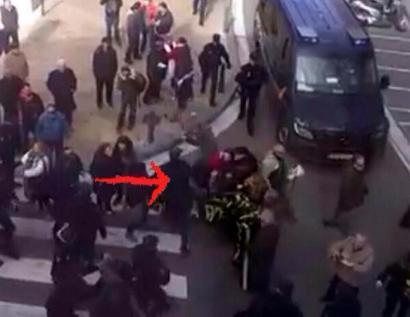 Emakume bat larri zauritu du Espainiako Poliziak protesta baketsu batean