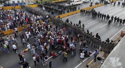 Venezuelan estatu-kolpe arriskua dagoela ohartarazi du Madurok