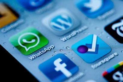Facebookek WhatsApp erosi du 19.000 milioi dolarrengatik