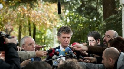 Jonathan Powell Donostiara itzuliko da desarme osteko egoera aztertzeko