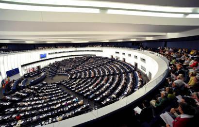 Troikaren politikak gaitzetsi ditu Europako parlamentuko txosten batek
