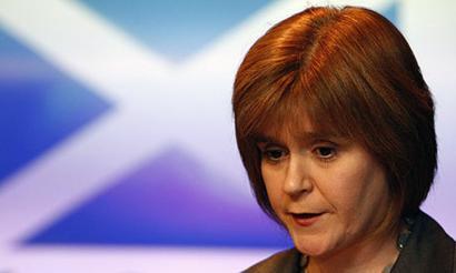 Eskoziak konstituzio zirriborroa prest edukiko du uda honetarako