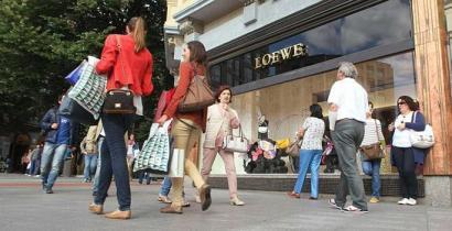 Hizkuntz eskubideak urratzeagatik enpresa pribatuen aurkako salaketak %23 igo dira EAEn