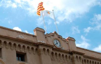 Kataluniako 80 alkate salatu ditu estatuak, Espainiako bandera ez jartzeagatik