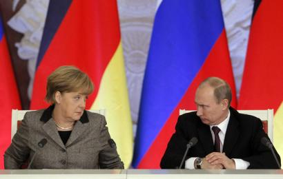 Ukraina handi geratzen zaio Merkeli
