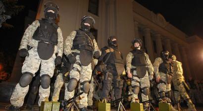 Gazteei derrigorrezko soldadutza berpiztu zaie Ukrainan