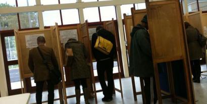 Hasi dira Europako Hauteskundeak Erresuma Batuan eta Herbehereetan