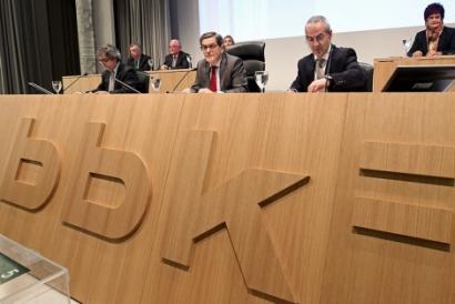 Kutxabank: pribatizazioaren kontra bozkatzen dutenei isuna