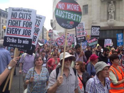 Murrizketen kontra 50.000 manifestari Londresen� ikusi ez ditugunak