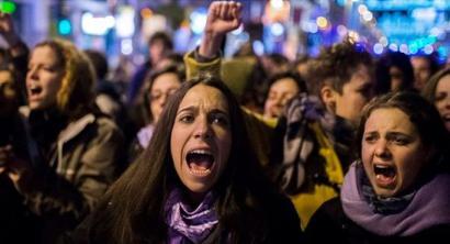 Ostiralean onar litekeen abortuaren legearen aurka protestara deitu dute