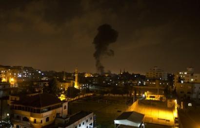 Israelek hamar palestinar hil ditu aire-eraso bidez Gazako zerrendan