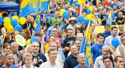 Silesiarrek herri gisa onartuak izateko eskatu dute Polonian